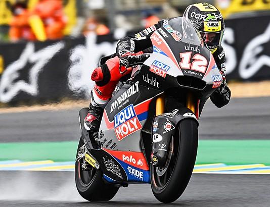 Moker otvoritveni dan v Le Mansu